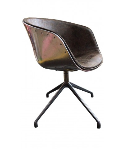 Chaise coque aviateur marron vintage