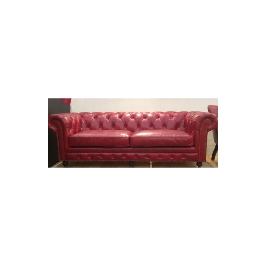 Canap chesterfield 3 places cuir rouge classique roulette for Canape cuir kreabel